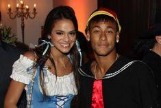 Reatou o Namoro? – Após ouro, Neymar corre para arquibancada e abraça Bruna Marquezine