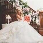 Renaissance French Bridal Inspiration - http://www.2016hairstyleideas.com/wedding/renaissance-french-bridal-inspiration.html