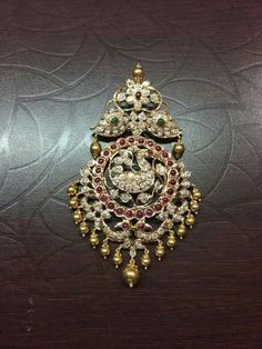 Choose Your Own Jewelry Styles Indian Wedding Jewelry, Bridal Jewelry, Jewelry Model, Designer Jewelry, Traditional Earrings, Gold Jewellery Design, India Jewelry, Jewelry Patterns, Antique Jewelry