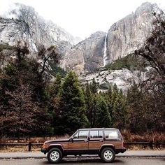 """coffeentrees: """" Where will you wander this weekend? Photo: by herschelsupply """" Landscape Photography, Travel Photography, Nature Photography, Rivers And Roads, Camping Life, Jeep Camping, Women Camping, Camping Ideas, Vans"""