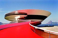 Oscar Niemeyer - Museu de Arte Contemporânea de Niterói, Brazil.