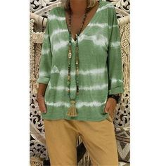 Loose Print V-Neck Long Sleeve Plus Size Casual T-Shirt – jullymart Casual T Shirts, Casual Tops, Comfy Casual, Halter Neck Maxi Dress, Plus Size Shirts, Plus Size Casual, Boho Tops, Plus Size Women, Blouses For Women