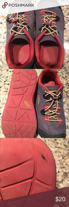 Keen Shoes Boys Jasper Keen Big Boy size 4 Jasper shoes. Barely worn, only 2 blemishes (see photos) Originally $55 selling for $20 Keen Shoes Athletic Shoes
