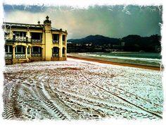 Snow on La Concha beach #salero #basque