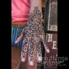 Professional Henna Tattoo Kits and World Class Henna Studio. Featuring Professional Henna Artists, located in Kailua Kona, Hawaii.