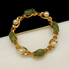 CLASSIC JADE PEARLS CIRCLE BRACELET! This lovely vintage Bracelet in a classic gold filled circle design features beautiful jade stones and cultured pearls. $39.95 From https://www.etsy.com/