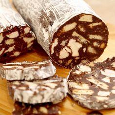 Diese DIY Schokoladen-Salami ist die perfekte Geschenkidee für Freunde