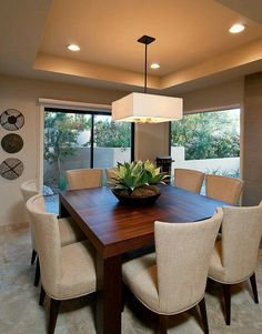 Trends in decoration of dining table