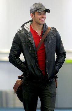 Kellan Lutz Photos: Taylor Lautner and Kellan Lutz at Vancouver International Airport