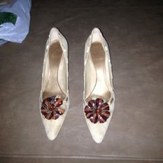 Enzo Angiolini Heels Worn once suede shoe with plastic flower with fur details Shoes Heels