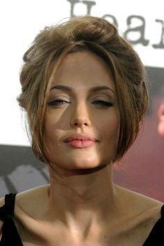 Angelina Jolie is such an amazing actress Angelina Jolie Makeup, Brad And Angelina, Angelina Jolie Photos, Actrices Sexy, Jolie Pitt, Celebs, Celebrities, Mannequins, Hollywood Actresses