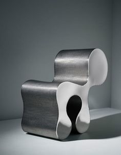 Ron Arad Creature Comfort A chair of polished stainless steel and woven stainless steel. 75 x x 32 cm x 15 x 12 in.) Produced by One Off Ltd. From the edition of 10 plus 3 artists proofs. Funky Furniture, Unique Furniture, Furniture Design, Ron Arad, Wooden Pattern, Steel Art, Creature Comforts, Home And Deco, Oversized Chair