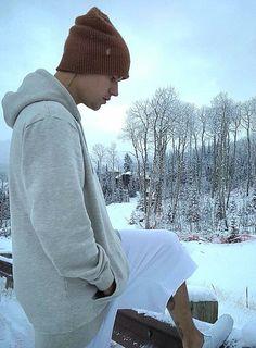 Justin Bieber is a POP , R&B singer, actor and songwriter. Justin Bieber Lyrics, Justin Bieber Lockscreen, Justin Bieber Wallpaper, I Love Justin Bieber, Magcon, Estilo Vans, Justin Baby, Bae, My Sunshine