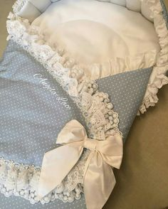 Diy Crafts - maternity,newborn-Sweet baby pouch for a little prince. Baby Nest Bed, Kit Bebe, Baby Girl Christening, Baby Swaddle Blankets, Baby Comforter, Baby Decor, Baby Sewing, Baby Dress, Baby Gifts