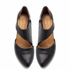 Coming in Spring 2014. Gorgeous and sleek to go with any outfit! With a shorter heel and soft foot bed your feet will have no issue wearing these all day long