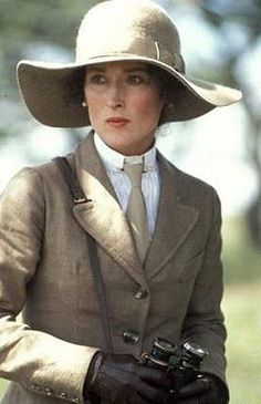 Meryl Streep as 'Karen Blixen' - 1985 film Out of Africa - Costume design by Milena Canonero hat based on the fashions of the early Meryl Streep, Mode Safari, Safari Chic, Jungle Safari, Karen Blixen, Safari Outfits, Kino Film, Out Of Africa, Looks Chic