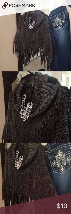 Black sweater poncho Black sweater poncho looks great with long tee underneath and jeans! Great add to your wardrobe! This is in great condition worn few times only! Tops Tunics