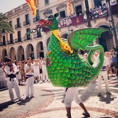 El Drac de Vilanova #correfoc #correfoc2013 #fotosdesomni #festamajor #catalonia #drac #fire #fireworks #igerscatalonia #instacorrefocs #catalunyaexperience #fmvng2013 #fmvng13 #concursfmvng #fmvng #garraf #catalunya #catalunyagrafias #igersgarraf #igerscatalunya #miravng #vng #miravilanova #vilanovailageltru #instacorrefocs #dracvilanova #dracdevilanova