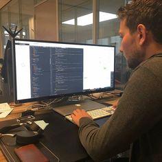 Nice post!  Source: @bromedia  Onze collega Joeri is op deze vrijdagmiddag druk bezig met het afronden van een webapplicatie voor één van onze klanten.