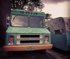 Got a soft spot in my heart for food trucks with character. Especially green ones. Love this one from Rise Coffee. . . . #coffee #foodtruck #foodtrucks #character #vintage #truck #truckart #greenandyellow #rise #thegrove #stl #ontheroad #trucksofinstagram #foodtrucksofinstagram #mobile #ohthestories #trucklife #fromwhereisit #hustle