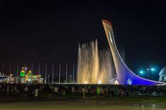 Олимпийский парк Сочи. Феерическое шоу Поющие фонтаны. Шикарное зрелище и огромная людская масса ) Большой Сочи #Красоты_России #КрасотыРоссии #Россия