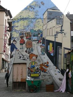 Bandes dessin es on pinterest tintin brussels and lucky for Comic book mural