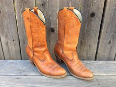 Women's Vintage Retro 70's 80's Laredo Cowgirl Boots Leather  Size 9.5 by RanchoRetroVintage on Etsy https://www.etsy.com/listing/484549031/womens-vintage-retro-70s-80s-laredo