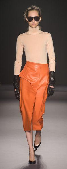 Lanvin Fall-winter 2018-2019 - Ready-to-Wear - http://www.orientpalms.com/Lanvin-7169 - ©ImaxTree Winter 2018 Fashion, Fashion Week 2018, Milan Fashion Weeks, Latest Fashion Trends, Autumn Winter Fashion, Couture Fashion, Runway Fashion, Fashion Outfits, Paris Fashion