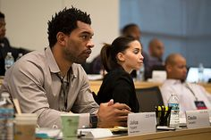 http://heysport.biz/index.html Julius Peppers, an outside linebacker for the Green Bay Packers, in class at the Ross M Business School at the University of Michigan. Ann Arbor, MI.