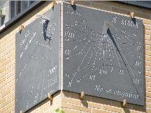 Altre meridiane - Meridiane varie Madrid. Elegante orologio solare realizzato da Antonio Canones su ardesia.