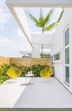 House of the Acacia by David Macias - MyHouseIdea Indoor Garden, Indoor Outdoor, Outdoor Decor, Outdoor Furniture Design, Mexican Designs, Villa, Architecture Plan, Fashion Room, Decoration
