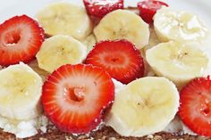 Easy Healthy Breakfast Recipe: Whole Wheat Bread with Ricotta, Banana, Strawberries and Honey #weightlossfast