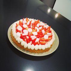 Folie Fraise #Gourmands #Tournage #OhLesBeauxGâteaux avec @DessertAlbarock #aufemininlatribu #aufeminin #dessert #food
