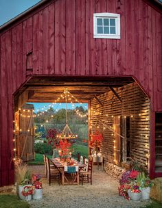 Beautiful Fall Outdoor Rooms Events barn idea for Steadfast Outdoor Rooms, Outdoor Dining, Rustic Outdoor Spaces, Patio Dining, Dining Tables, Dining Set, Style At Home, Farmhouse Style, Farmhouse Decor