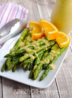 Roasted asparagus with orange vinaigrette is a great simple side dish you are going to love. Such a perfect side dish for a holiday meal. Healthy Food Choices, Healthy Side Dishes, Side Dishes Easy, Side Dish Recipes, Top Recipes, Main Dishes, Chorizo Recipes, Vegetarian Recipes, Healthy Recipes