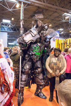 An incredible cosplay : Warhammer Warhammer 40k Necrons, Warhammer Fantasy, Epic Cosplay, Cosplay Armor, Marvel Cosplay, Anime Cosplay, Armadura Cosplay, Steampunk Cosplay, Space Marine