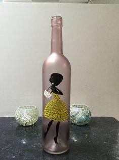 24 Marvelous Wine Purse With Hidden Spout Insulated Wine Purse Spout Wine Bottle Vases, Glass Bottle Crafts, Bottle Candles, Lighted Wine Bottles, Diy Bottle, Empty Wine Bottles, Recycled Bottles, Recycled Glass, Painted Glass Bottles