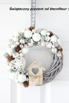 Tinker Christmas Wreath – 20 Ideas – Christmas 2017 – Crafts for Christmas – DIY Ideas, Christmas Deco – DIY … Christmas Wreaths To Make, Noel Christmas, Christmas 2017, Holiday Wreaths, Rustic Christmas, Winter Christmas, Vintage Christmas, Diy And Crafts, Christmas Crafts