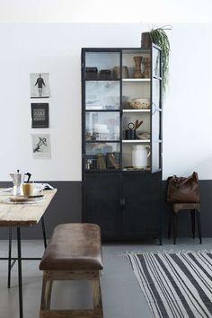 Het Kabinet - New Routz - Vitrinekast Seattle Black/White Seattle, China Cabinet, Interior Inspiration, New Homes, Loft, Black And White, Storage, House, Vintage