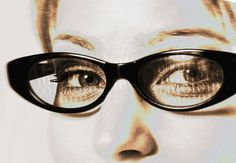 ... sondern Einzug in unseren Alltag halten. Vielleicht werden wir es bald nicht einmal mehr bemerken, ob jemand eine VR-Brille trägt und mehr sieht als andere.