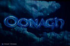 Es ist soweit. Oonagh betritt die Bühne