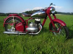 Jawa Motorcycle Engine, Bobber Motorcycle, Antique Motorcycles, Cars And Motorcycles, Bmw Boxer, Vintage Cycles, Bike Photo, Pony Car, Old Bikes