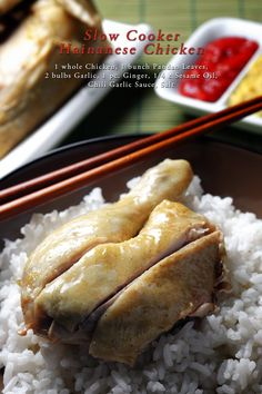 Slow Cooker Hainanese Chicken Have this authentic Asian chicken rice dish right at your home. Hainanese Chicken Rice Recipe, Chicken And Rice Crockpot, Chicken Rice Recipes, Slow Cooker Chicken, Slow Cooker Recipes, Crockpot Recipes, Bulk Cooking, Asian Recipes, A Food
