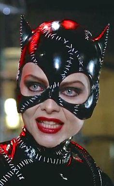 N°9 - Michelle Pfeiffer as Selina Kyle / Catwoman - Batman Returns by Tim Burton - 1992 Archie Comics, Marvel Dc Comics, Catwoman Cosplay, Batman And Catwoman, Batman Batman, Batman Stuff, Batman Arkham, Batman Robin, Michelle Pfeiffer
