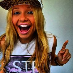 Alli Simpson! Why can't we be best friends..