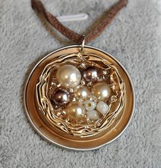 Successes of necklaces and pendants made of Nespresso ® capsules Réalisations d . , Successes of necklaces and pendants made of Nespresso ® capsules Réalisations d . Diy Nespresso, Aluminum Wire Jewelry, Coffee Pods, Coffee Beans, Homemade Jewelry, Bijoux Diy, Beads And Wire, Jewelry Crafts, Jewelery