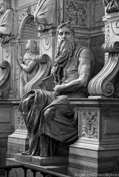 Moses by Michelangelo, Rome Renaissance Kunst, High Renaissance, Statues, Visit Rome, Italian Sculptors, Roman Art, Classical Art, Western Art, Great Artists