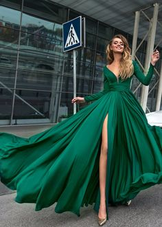 "alinanovafashion: ""elegant is an attitude """
