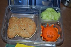 Robot Squirrel and the Monkeys: Bento...LOVE the orange octopus!