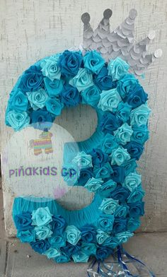 piñata de frozen #3 #piñataderosas Frozen Pinata, Frozen Themed Birthday Party, Disney Frozen Birthday, 3rd Birthday Parties, Frozen Party Decorations, Girl Birthday Decorations, Frozen Princess, Elsa Frozen, Cumple De Frozen Ideas